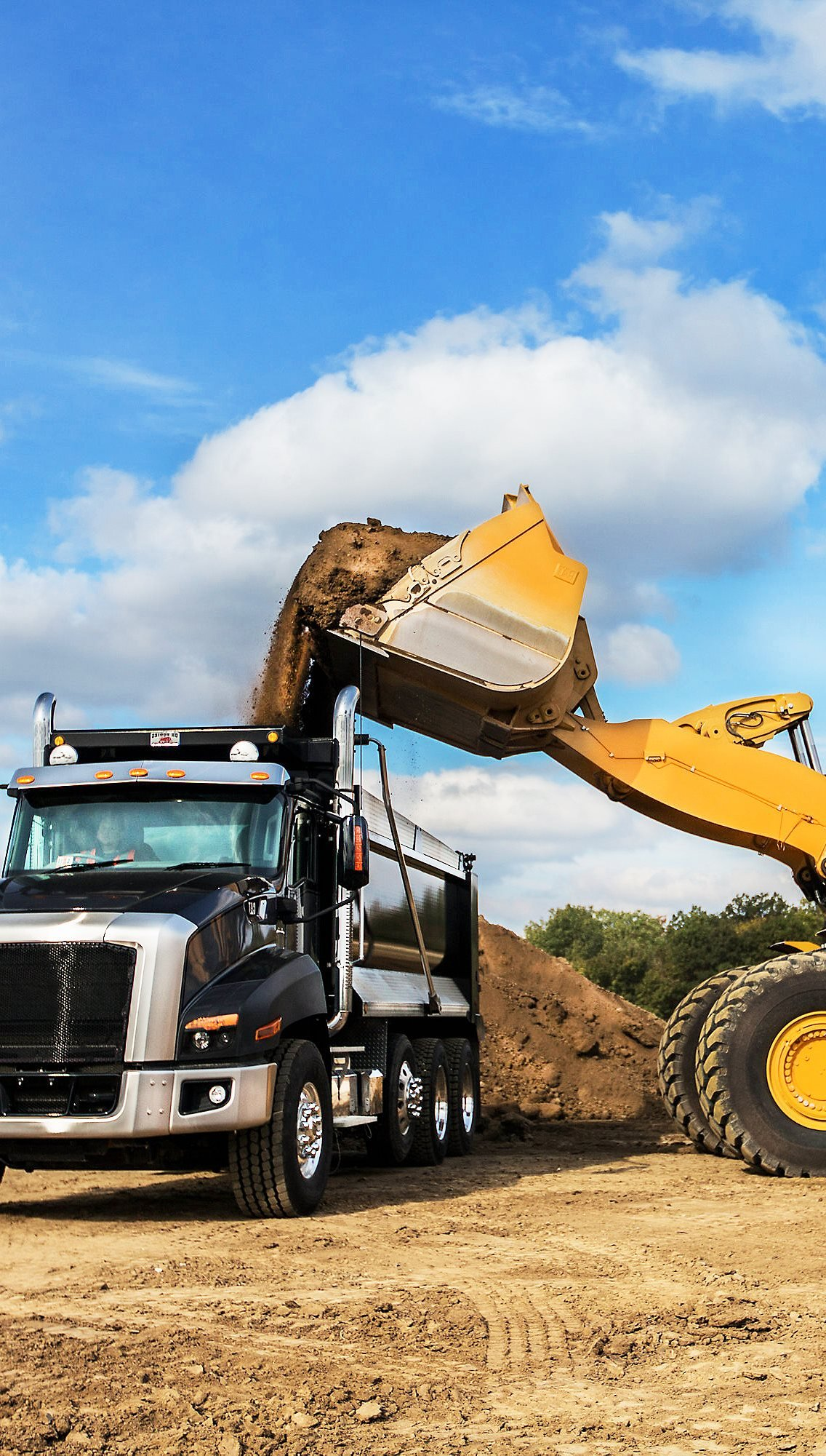 Dump Truck Jobs and Truck Drivers Looking for Jobs
